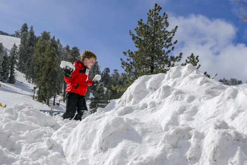 Nothing Like Bit Of Snow To Really Put >> Snow Comes To L A With Powder In Malibu Pasadena West Hollywood