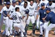 Yangervis Solarte's walk-off homer sinks Dodgers in Game 1