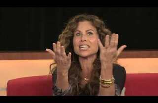 Emmy Chat: Minnie Driver shouts out to 'Great British Bake Off' and 'Cheers'