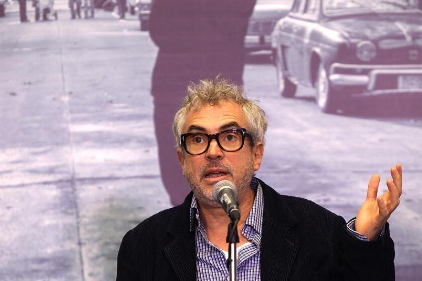El cineasta mexicano Alfonso Cuarón habla en una conferencia de prensa. EFE/Archivo