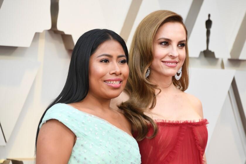 Yalitza Aparicio y Marina de Tavira participan en el Oscar y lo celebran desde la entrada del Dolby Theatre.