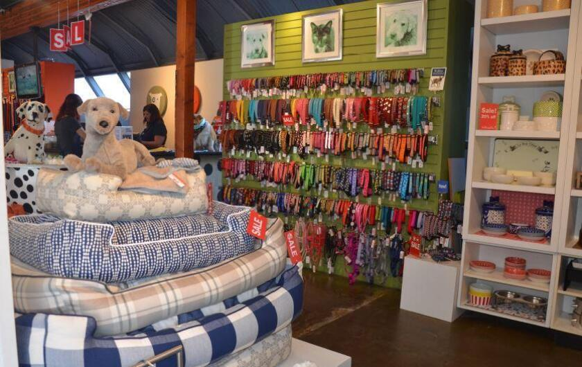 Muttropolis offers creative and innovative toys and the best in apparel, leashes, bowls and beds.