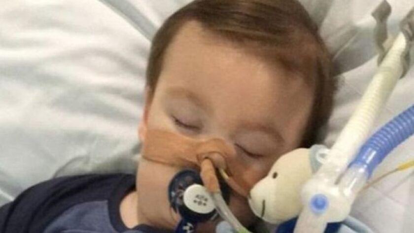 El Tribunal Supremo de Reino Unido emitió el martes un dictamen en el que autoriza que un grupo de médicos, en la ciudad de Liverpool, desconecte a un niño de 21 meses del sistema de soporte vital.