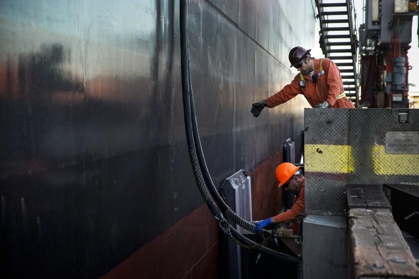 476054_ME_PORT-SHIPS-AIR-POLLUTION_KKN_50715.JPG