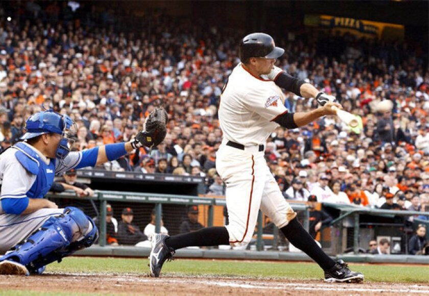 Giants sweep Dodgers with third one-run victory, 4-3