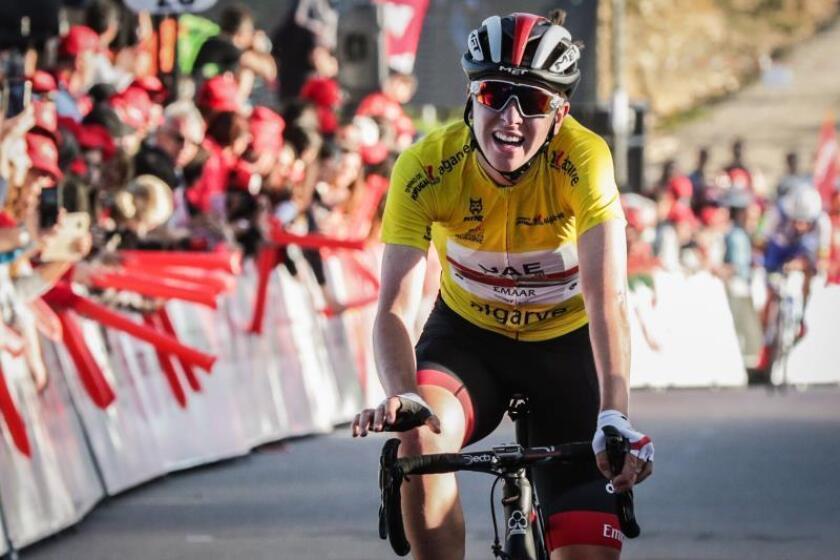 Tadej Pogacar, del UAE Team Emirates, es el ganador de la 45 edición de la Vuelta al Algarve en una última etapa con final en Malhao, Portugal. EFE/EPA