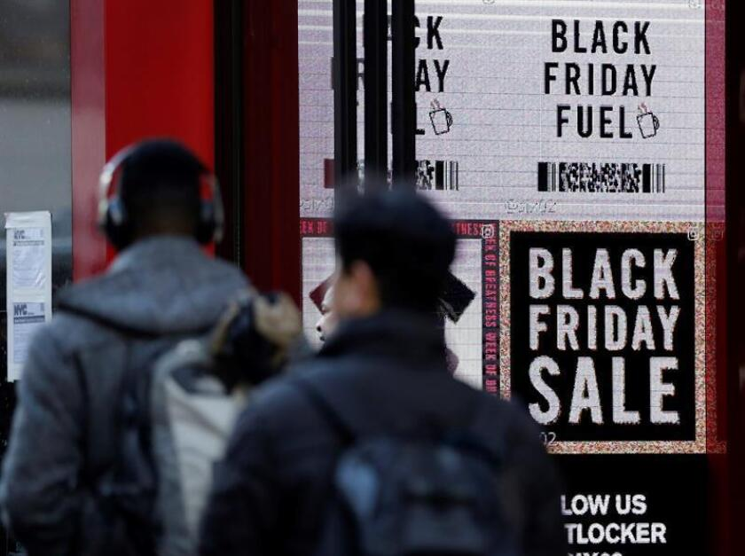 """Estados Unidos llegó una vez más a la fiebre de consumo del """"viernes negro"""", una costumbre que se extiende por varias décadas pero que, según pasa el tiempo y cambian las costumbres, va perdiendo entusiasmo y el perfil original. EFE"""
