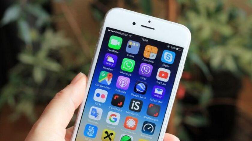 La compañía confirmó que una parte crítica del código fuente de su sistema operativo iOS que usan iPhones y iPads fue expuesta en GitHub, una página web en la que los desarrolladores informáticos alojan proyectos.