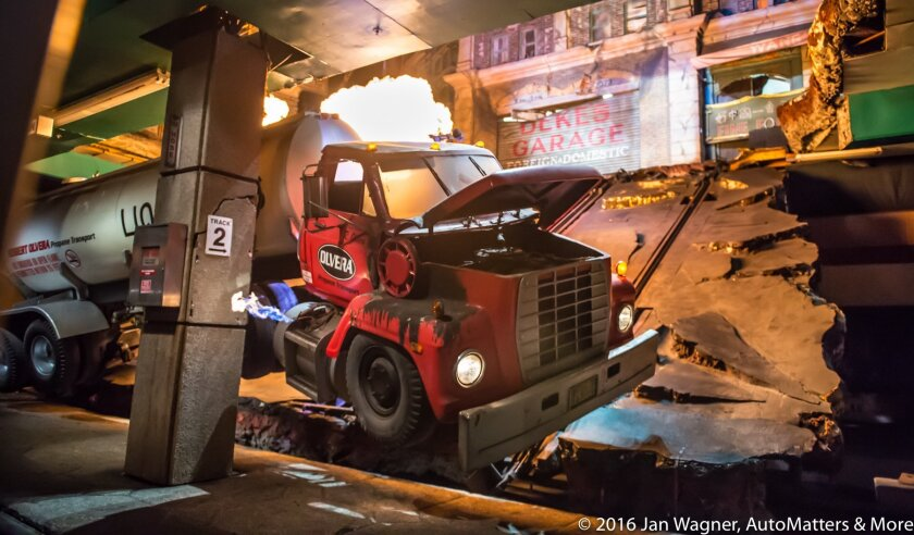 Earthquake strikes a subway station on the Studio Tour