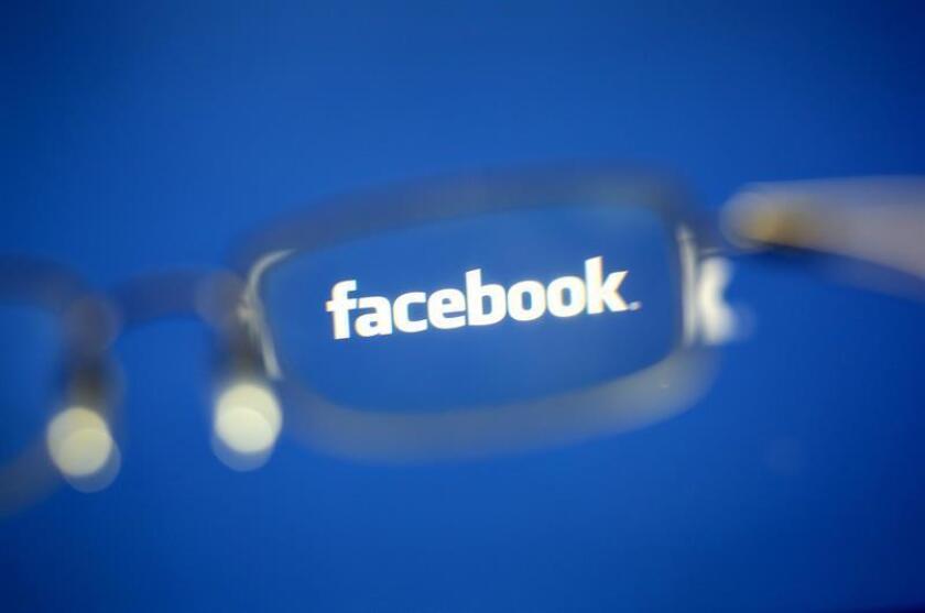 Fotografía que muestra el ícono de Facebook, en Taipei (Taiwán). EFE/Archivo