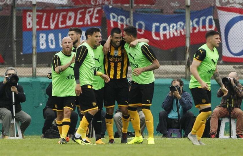 El Peñarol venció al Juventud por 4-1 en un encuentro en el que comenzó perdiendo ya que la visita se puso en ventaja a los seis minutos con un gol de tiro libre de José Alberti. EFE/Archivo