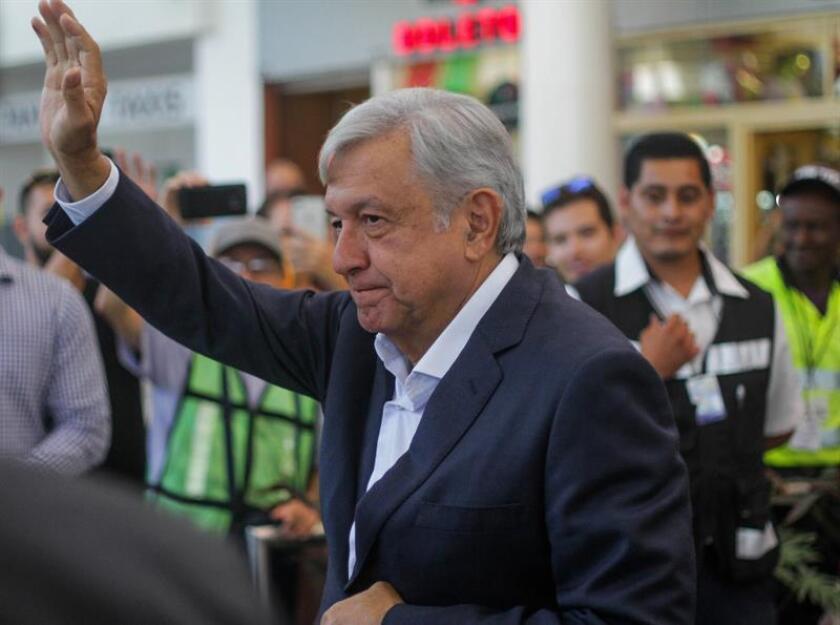 El presidente electo de México, Andrés Manuel López Obrador, participa hoy, jueves 20 de septiembre de 2018, en un mitin en la ciudad de Tijuana, en el estado de Baja California (México). EFE