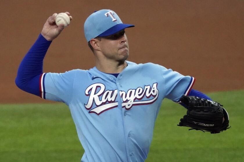 Lanzador de los Rangers de Texas Corey Kluber