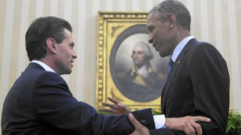 """""""Será una oportunidad para continuar la conversación iniciada en la reunión de (los tres presidentes norteamericanos) en Canadá sobre un abanico de temas, por ejemplo el de la coordinación en materia de seguridad"""", indicó el viernes el portavoz de la Casa Blanca, Josh Earnest, en su rueda de prensa diaria."""