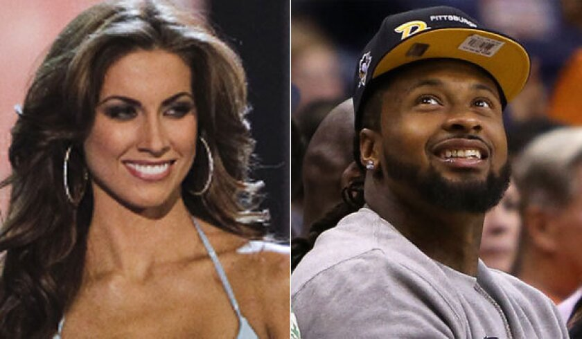 Cardinals' Darnell Dockett tweets phone number to Katherine Webb