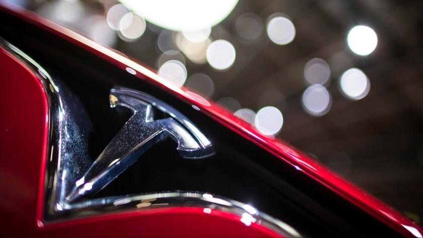 Tesla Motors Inc. is expanding its relationship with the Japanese electronics company Panasonic Corp.