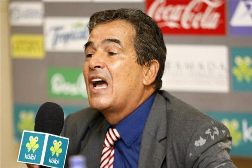 El conjunto costarricense, al mando del entrenador colombiano Jorge Luis Pinto, inició las prácticas con solo tres futbolistas provenientes del exterior. EFE/Archivo