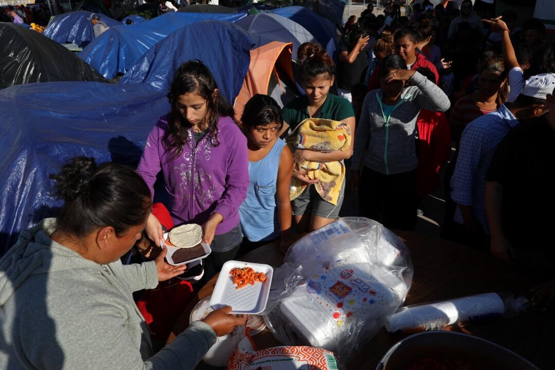 474621_NA_sick_migrants_courts_GXC_0615.JPG