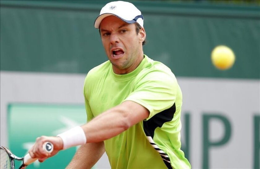 El tenista argentino Horacio Zeballos durante el partido de segunda ronda del torneo de tenis Roland Garros. EFE