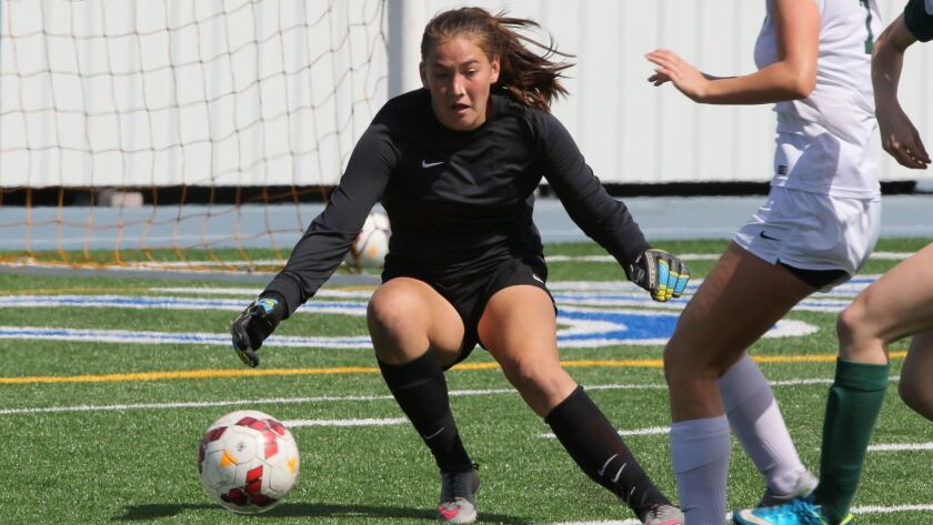 Goalkeeper Avrie Fox returns for Mission Vista.