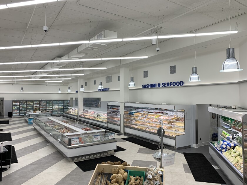 Mitsuwa Marketplace seafood and frozen food section