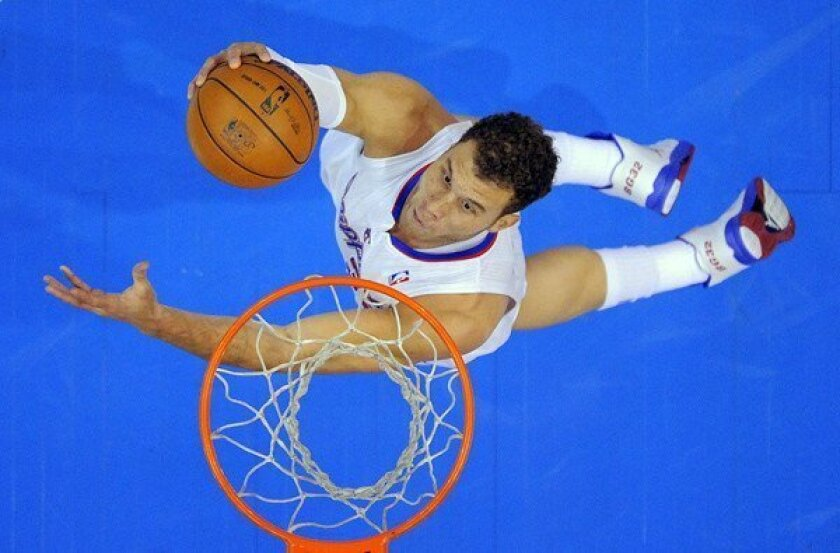 Clippers' record home winning streak ends in loss to Magic