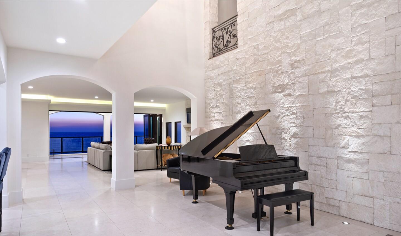 Jim Keyes' Redondo Beach mansion