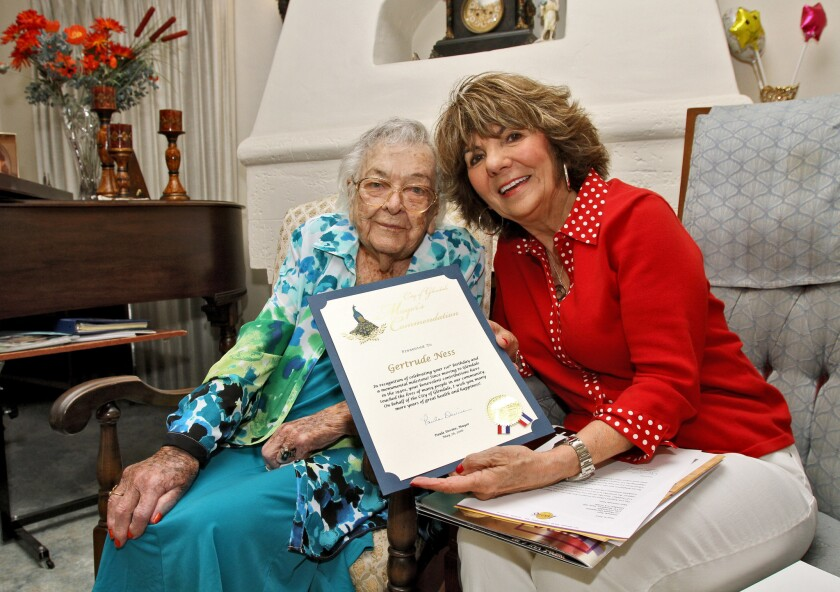 Gertrude Ness and Glendale Mayor Paula Devine