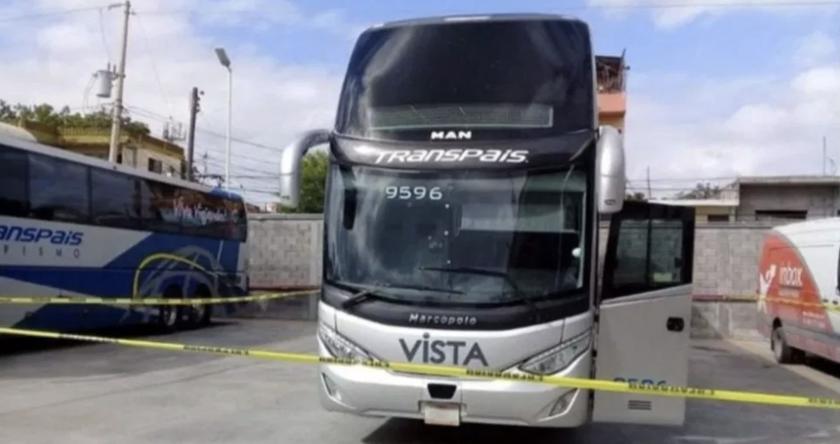 El autobús -asegurado por autoridades mexicanas- de donde desaparecieron llos migrantes centroamericanos.