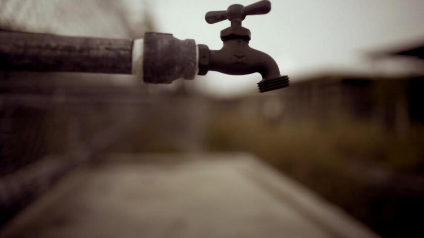 California alerta de otro año de restricciones en el suministro de agua
