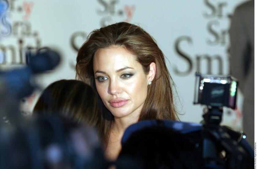 Después de que Brad Pitt no pudiera ver a sus hijos en el Día de Acción de Gracias, su ex, Angelina Jolie, permitirá que los visite en Navidad.