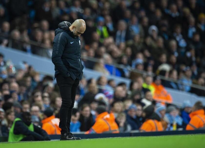 El entrenador de Manchester City Pep Guardiola reacciona en el Etihad Stadium. EFE/EPA/Archivo
