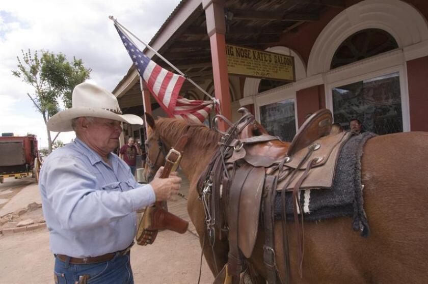 """La pequeña ciudad de Tombstone, donde el tiempo parece haberse detenido y los residentes reviven cada día cómo era la vida en el viejo Oeste, se ha declarado como """"La Ciudad de la Segunda Enmienda"""". EFE/ARCHIVO"""