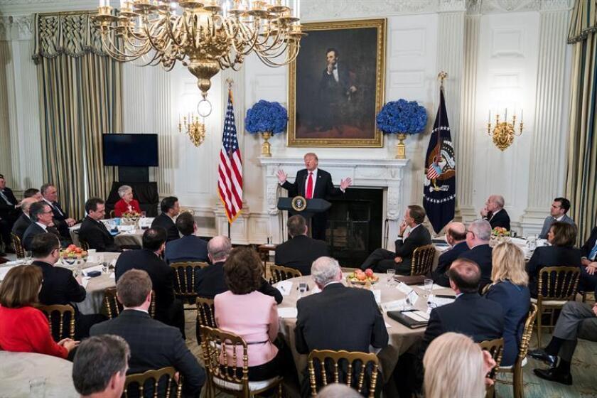 El presidente de Estados Unidos, Donald Trump, y el vicepresidente, Mike Pence, se reunieron hoy con 39 gobernadores, entre ellos el de Puerto Rico, como parte de la reunión de invierno de la Asociación Nacional de Gobernadores (NGA, por su sigla en inglés). EFE