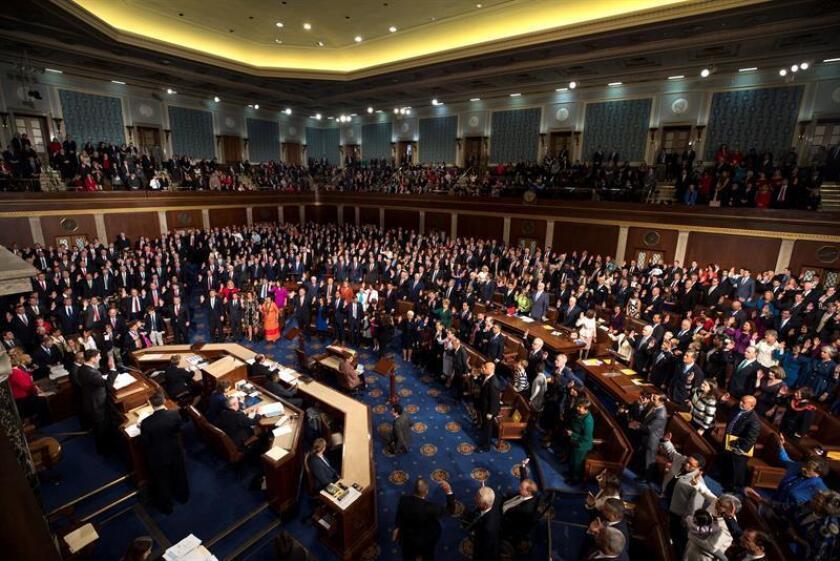 El Congreso aprobó hoy una resolución presupuestaria que supone el primer paso legislativo para que el Capitolio ponga en marcha los mecanismos de derogación, y la posterior sustitución, de la histórica reforma de salud del todavía presidente, Barack Obama. EFE/ARCHIVO