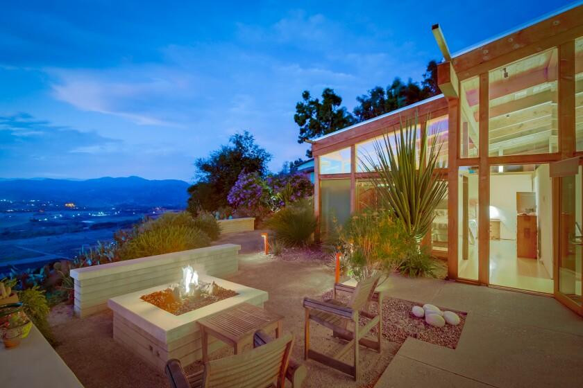 Norman Applebaum-designed home in Escondido