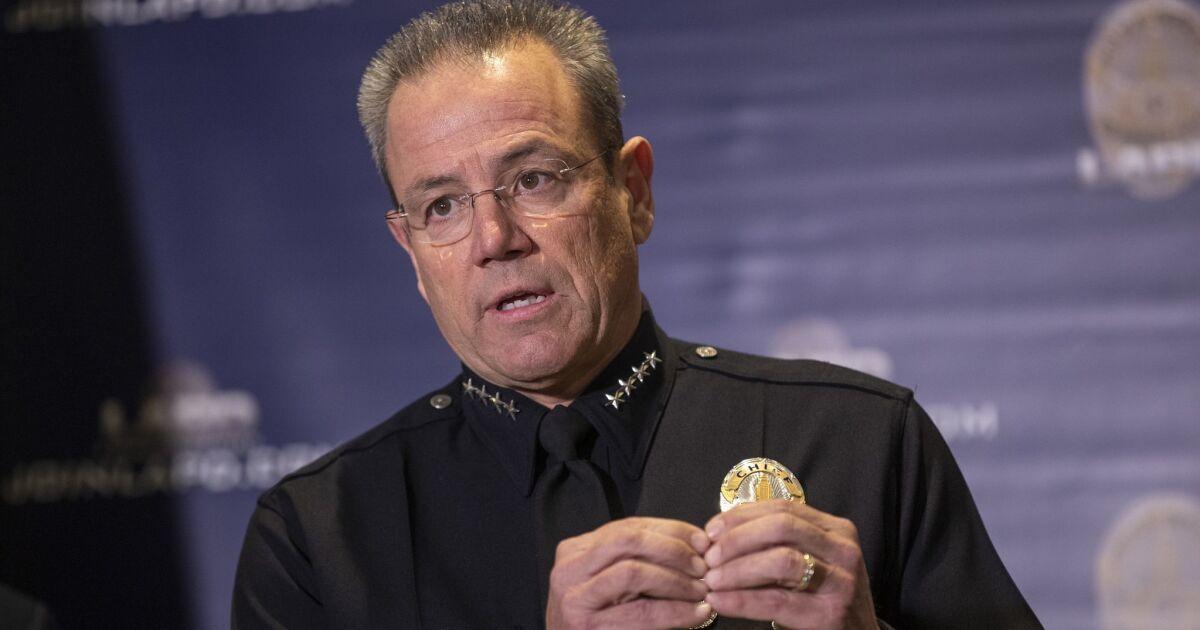 Das LAPD eine Untersuchung eröffnet in Stellenangebot auf dem rechten Flügel Breitbart website