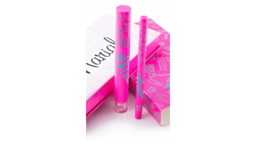 A Mariale Marrero lip kit.