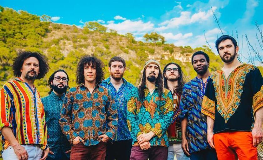 Fotografía sin fecha cedida por el grupo colombiano Superfónicos que muestra a los integrantes de la banda. EFE/Grupo Superfónicos