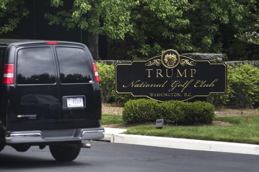 la-trump-visits-golf-club-in-virginia-20170430