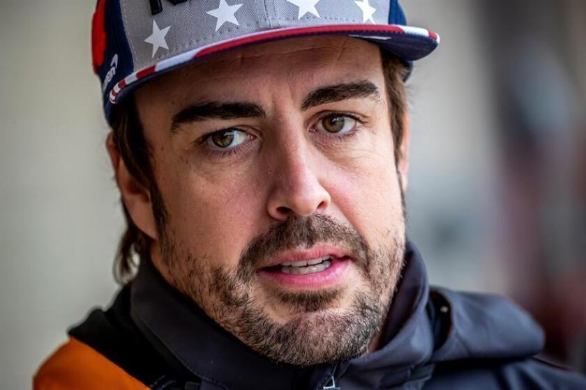 El piloto español de Fórmula Uno fernando Alonso, de McLaren, durante la primera sesión de entrenamientos libres en el circuito de Las Américas en Austin, Texas (Estados Unidos), el 19 de octubre de 2018. EFE