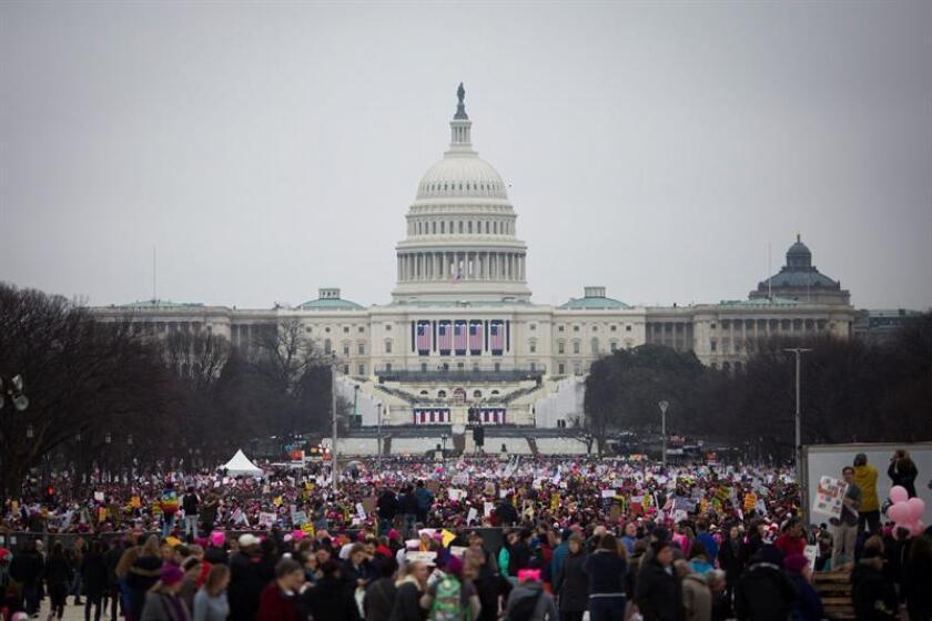 """El presidente, Donald Trump parece inmune al movimiento """"Me Too"""" que ha acabado con las carreras de otros hombres que, como él, han sido acusados de abusos sexuales. Pero su incómoda respuesta al fenómeno ha evidenciado su complicado historial con las mujeres, y podría tener consecuencias políticas. EFE/ARCHIVO"""