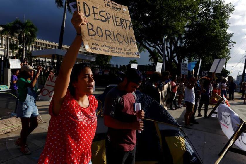 """La economía de Puerto Rico no retomará el crecimiento hasta 2026, según el informe """"Puerto Rico 2016-2030"""" de la firma Estudios Técnicos que estima que la población de la isla puede caer por debajo de los 3 millones de personas. EFE/ARCHIVO"""