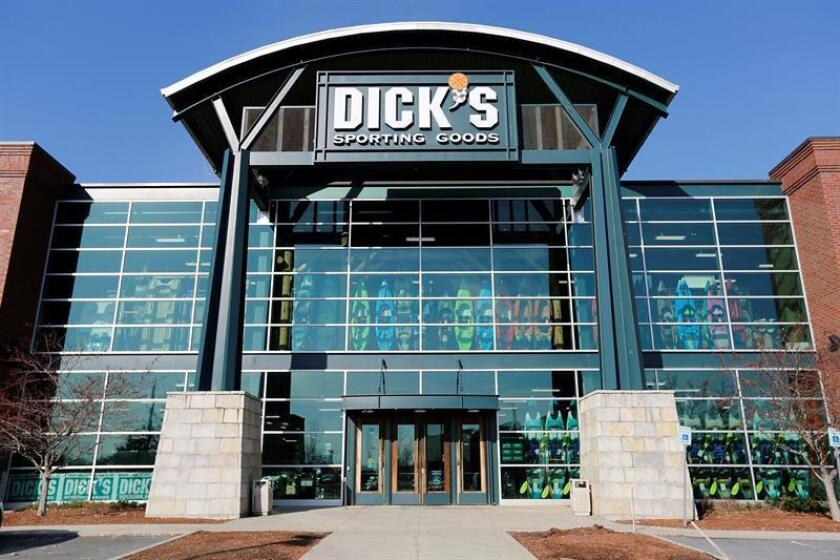 Vista de uno de los establecimientos de Dick's Sporting Goods en Danvers, Massachusetts (Estados Unidos), hoy, 28 de febrero de 2018. EFE