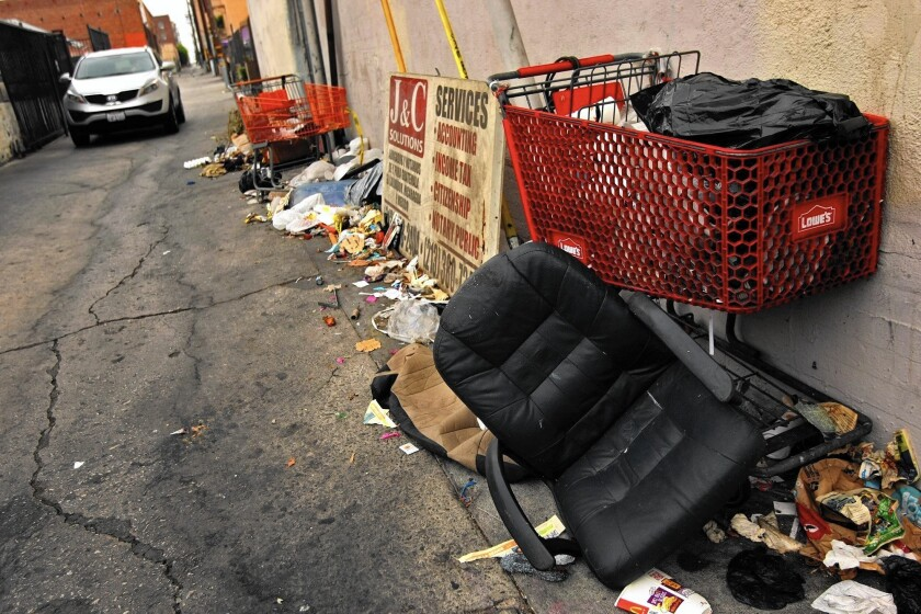A new city report calls for a task force to develop and implement a comprehensive management plan to ensure cleaner streets, alleys and sidewalks.