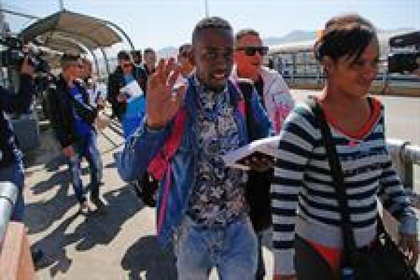 El Instituto Nacional de Migración (INM) de México anunció hoy que, a partir del 9 de enero de 2017, pondrá en marcha el Programa Temporal de Regularización Migratoria (PTRM), que otorgará estancia legal y permiso de trabajo a extranjeros que llegaran al país antes del 9 de enero de 2015. EFE/Archivo