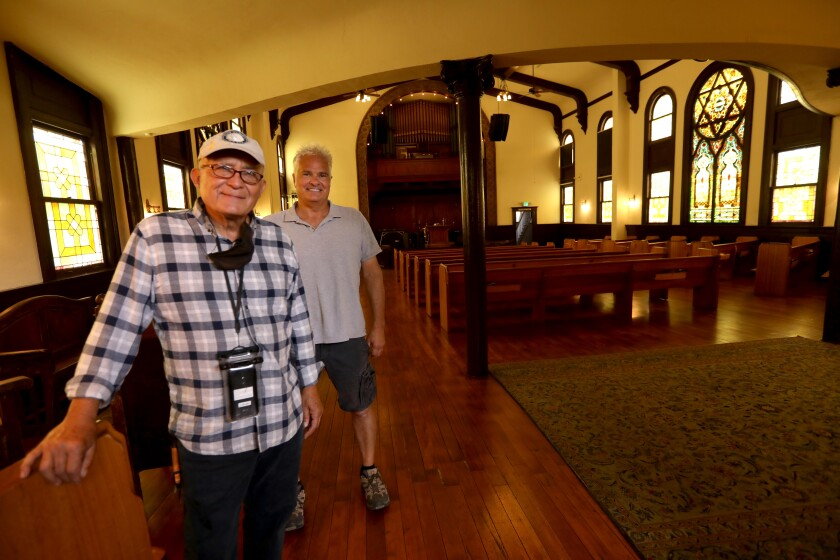 Jorge Alvarez and Craig Taubman at the nonprofit Pico Union Project.