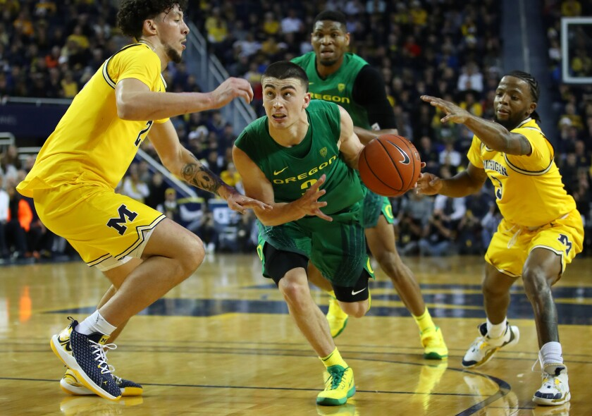 Senior point guard Payton Pritchard leads No. 4 Oregon into its Pac-12 schedule.