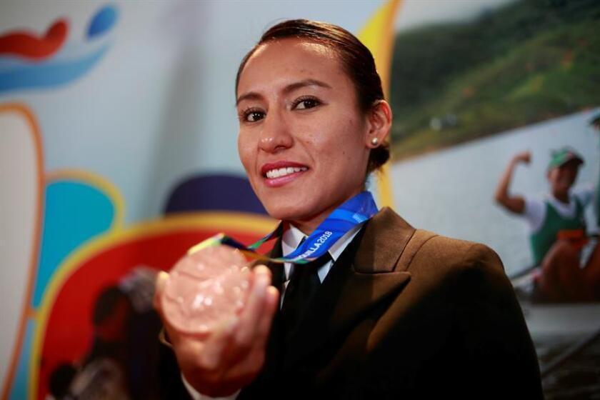 La mexicana Brenda Flores, campeona panamericana de los 10.000 metros planos, posa en entrevista con Efe este martes, 14 de agosto de 2018, en Ciudad de México (México). EFE