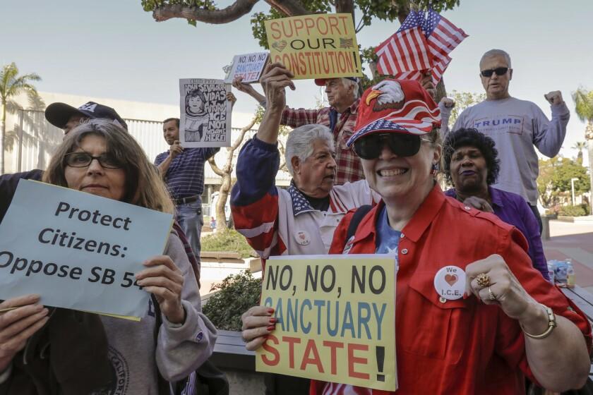 La mayoría de las ciudades sublevadas contra la ley 'santuario' se encuentran en el condado de Orange.